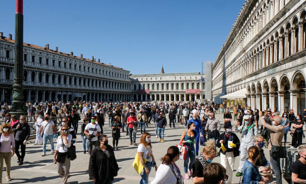 STARTET GJENÅPNINGEN: Italia startet mandag en gradvis gjenåpning av samfunnet. Foto: Reuters/ NTB Scanpix
