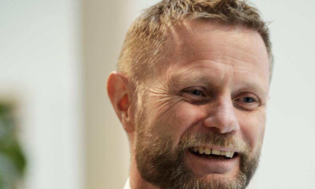 image: Høie ber sykehjem åpne for mer besøk