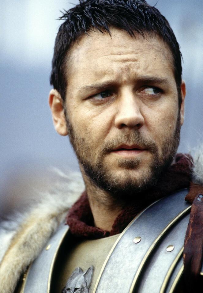 GENERAL MED TRIST BAGASJE: Russel Crowe i rollen som Maximus, vant Oscar for beste hovedrolle i 2001. FOTO: NTB Scanpix