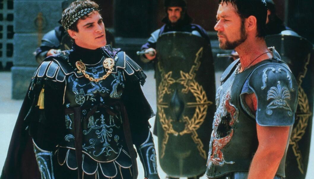 KJIP STEMNING: Den herskesyke Commodus, spilt av Joaquin Phoenix finner stadig nye måter å trykke ned Maximus, spilt av Russel Crowe. FOTO: NTB Scanpix