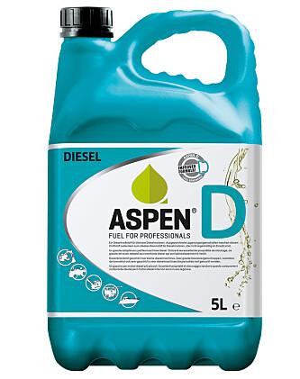 <strong>IKKE PÅ PUMPE:</strong> Du får Aspen D i 5 og 25 literskanner. Prisen ligger imidlertid skyhøyt over vanlig diesel. Foto: Aspen.
