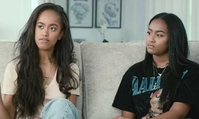 <strong>ÅPNER OPP:</strong> For aller første gang stiller Obama-døtrene Malia og Sasha (t.h.) opp på intervju. Det er gjort i dokumentaren Becoming - som tar for seg morens turné i forbindelse med selvbiografien som kom i 2019. FOTO: Netflix