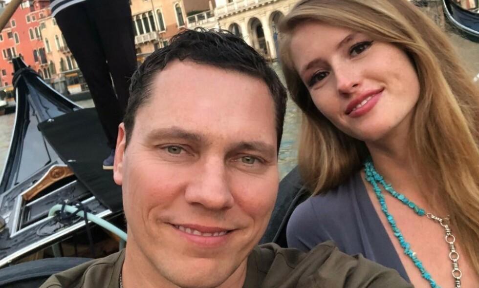 BLIR FORELDRE: DJ Tiësto og kjæresten Annika Backes Verwest røper på Instagram at de skal bli foreldre til ei jente. Foto: Instagram / AnnikaVerwest