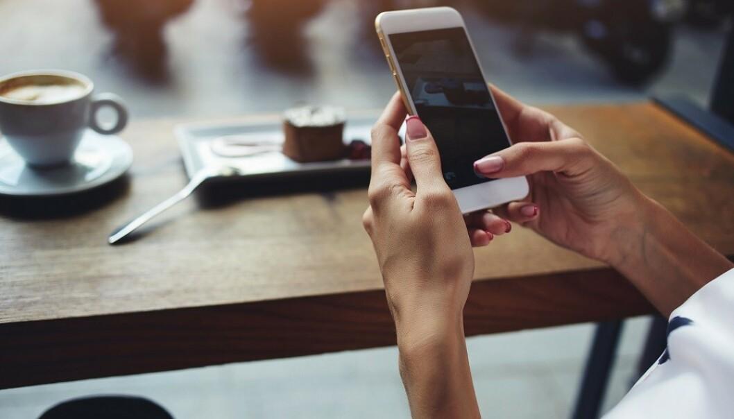 SOSIALE MEDIER: Unngå å sjekke eksen for mye på sosiale medier. FOTO: NTB Scanpix