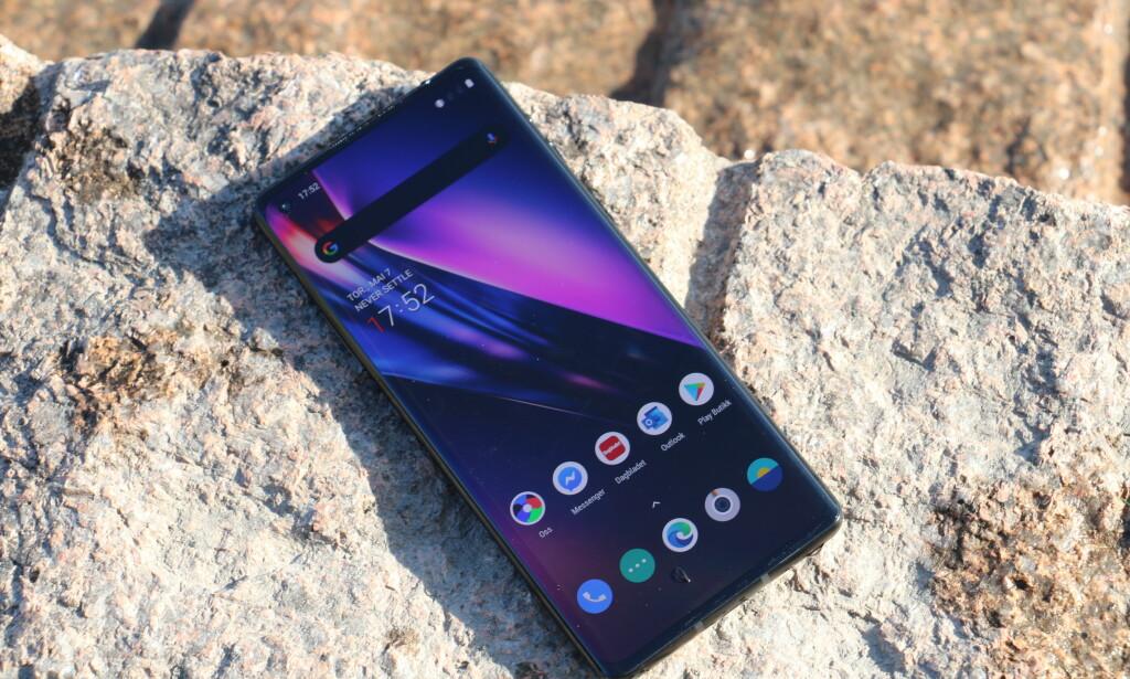 ONEPLUS 8: Huawei og Samsung har fått seg en skikkelig konkurrent i OnePlus. Foto: Martin Kynningsrud Størbu