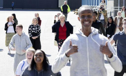 image: Erna Solberg fikk klar beskjed fra elevene: – Deilig å være tilbake på skolen