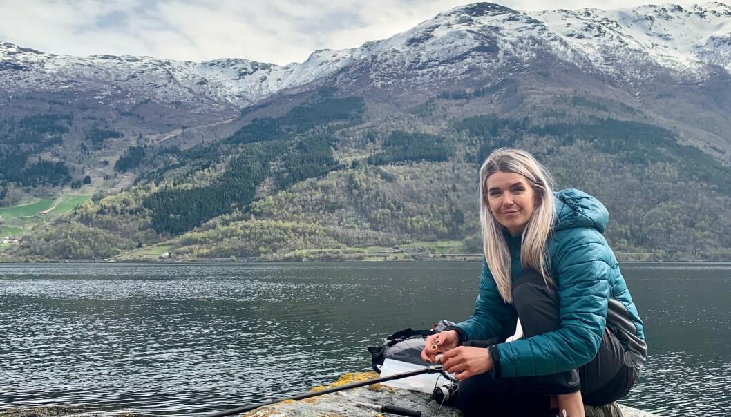 HOBBY: - Det var yoga eller fisking, men yoga har jeg ikke tålmodighet til, sier Jeanette. FOTO: Heidi Løland-Andersen