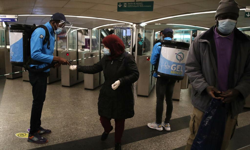 image: Stappfull metrobane i Paris etter at folk fikk gå ut