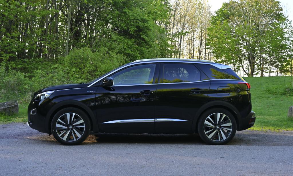 HØY: Peugeot har klart kunststykket å skjule bakkeklaringen på 21,9 cm. Foto: Rune M. Nesheim