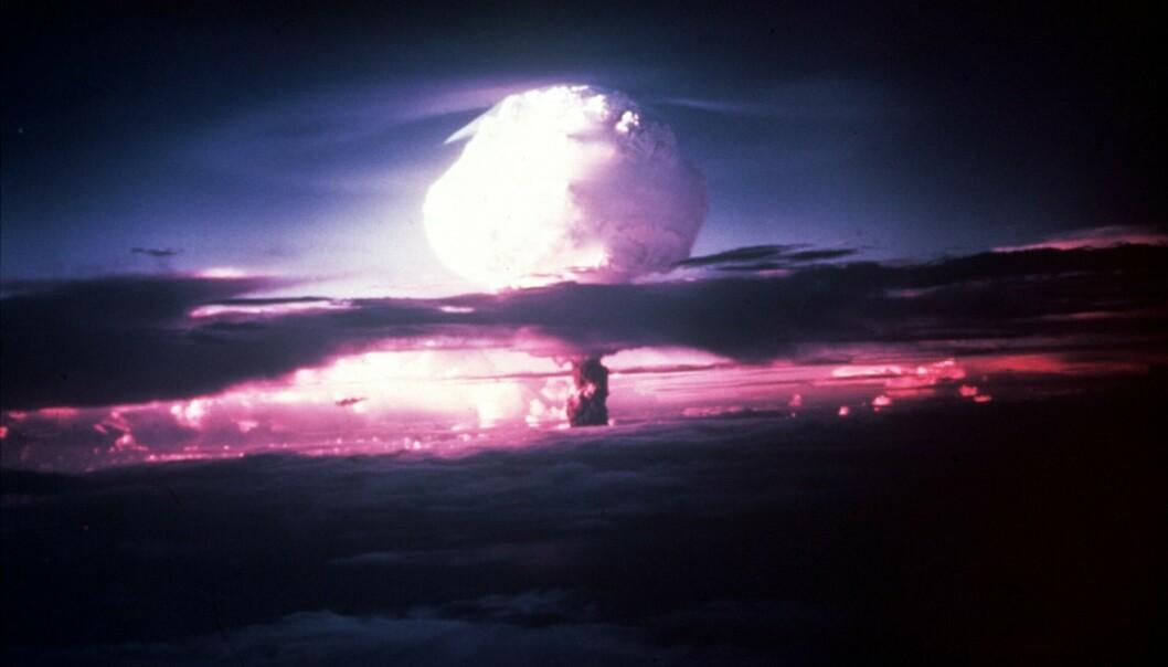 Prøvesprengninger som denne på Enewetak-atollen i Stillehavet, kan ha påvirket været så langt unna som i Europa, tror britiske forskere. Foto: NTB scanpix