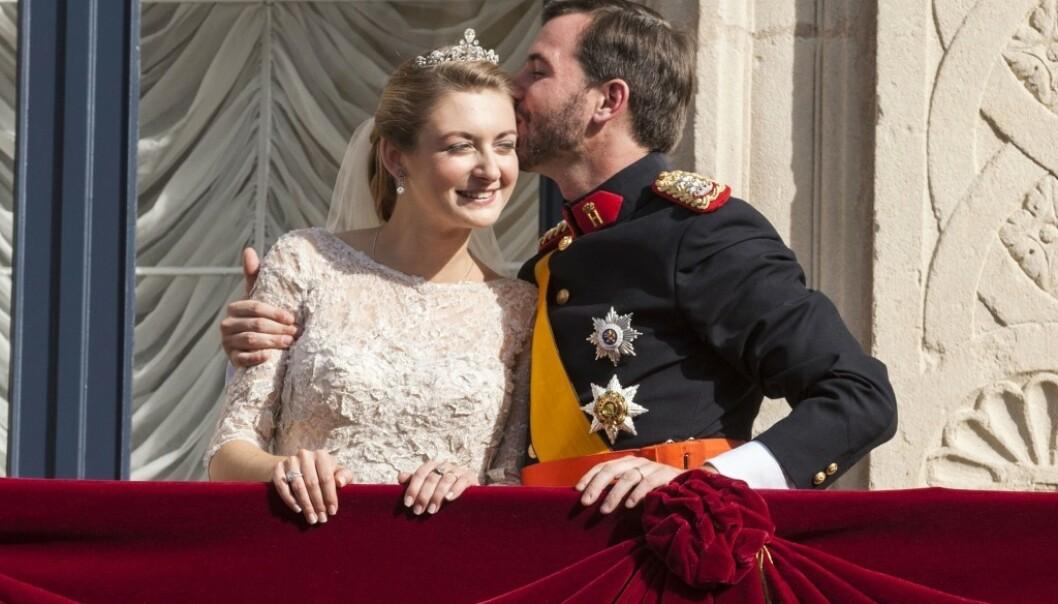 BRYLLUP: Kronprins Guillaume giftet seg med belgiske Stéphanie de Lannoy i Notre-Dame-katedralen i Luxembourg i oktober 2012. I 2020 ble de foreldre for første gang. FOTO: NTB scanpix