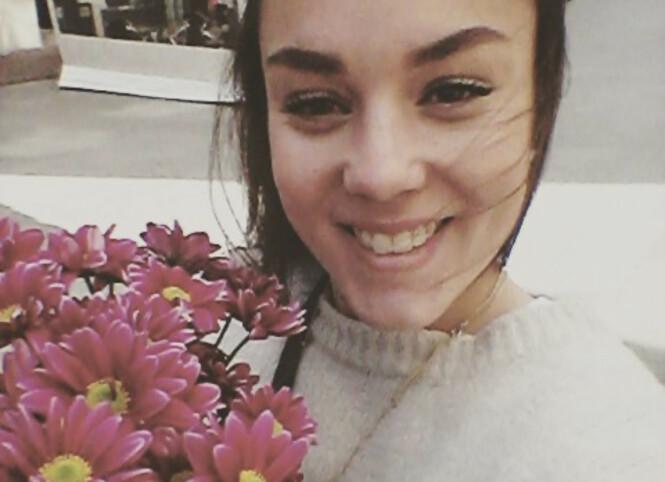 <strong>TRONDHEIM:</strong> Maria Olsen elsker de sjarmerende blomsterbutikkene på Bakklandet. Hun har bodd nesten hele livet i Tronheim. FOTO: Privat