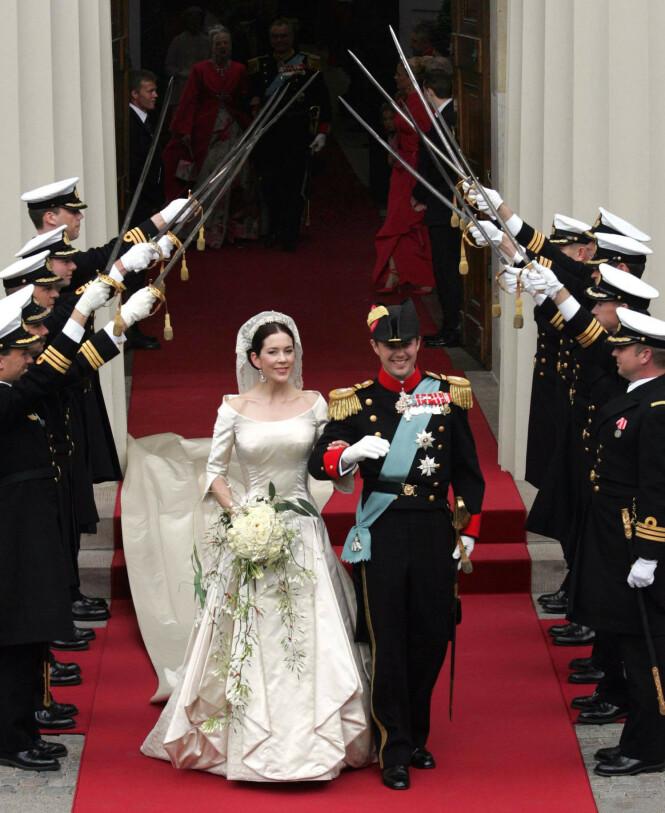 <strong>STORSLÅTT BRYLLUP:</strong> Kronprinsesse Mary og kronprins Frederik giftet seg i 2004. I dag feirer de sin 16 års bryllupsdag. Foto: NTB Scanpix