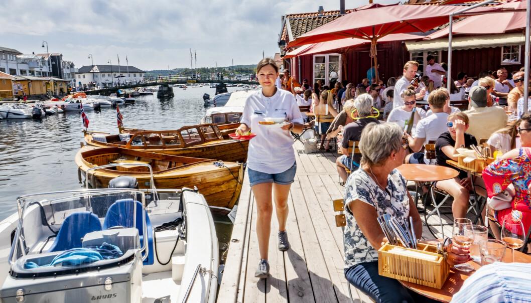 <strong>FÆRRE SOMMERJOBBER:</strong> Tall fra Virke tilsier at det blir færre sommerjobber i sommer. Her fra Tollboden i Kragerø i fjor sommer. Foto: NTB/Scanpix