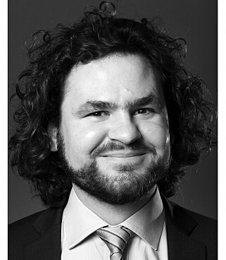 IKKE IMPONERT: Advokat Kirill Miazine mener FHI burde ha latt flere selskap få komme med forslag om hvordan lage Smittestopp-appen. Foto: Erik Burås / STUDIO B13