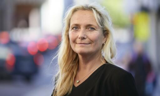 MERKELIG: Ingrid Lea Mæland synes det er rart at bruk av mobiltelefon bare koster deg 1700 kroner i bot. Foto: Trygg Trafikk