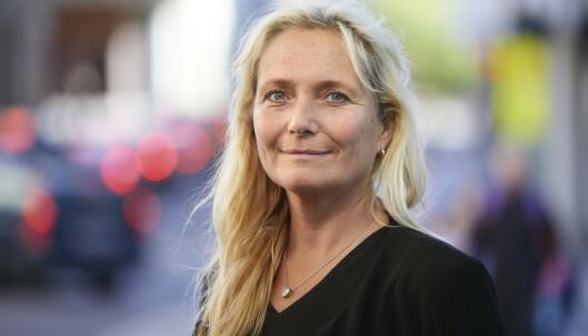 <strong>MERKELIG:</strong> Ingrid Lea Mæland synes det er rart at bruk av mobiltelefon bare koster deg 1700 kroner i bot. Foto: Trygg Trafikk