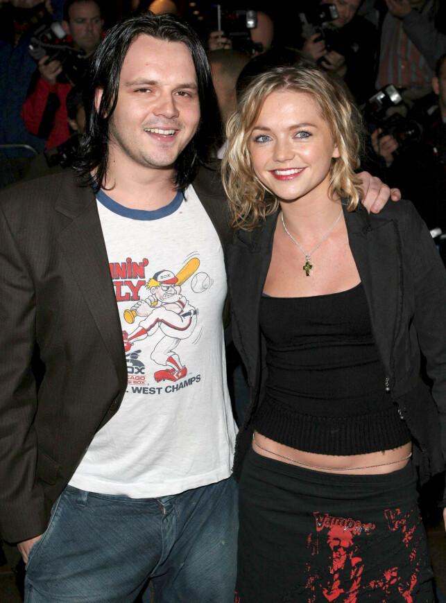 FANT HVERANDRE: Under storhetstida med S Club 7 ble Paul Cattermole og Hannah Spearritt et par. Her er de to avbildet i 2004. Foto: NTB Scanpix