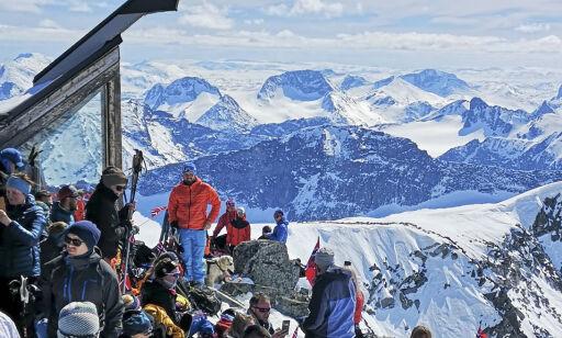 image: 17. mai-advarsel mot snøskred