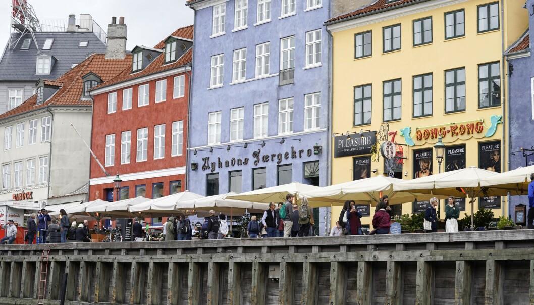 <strong>ÅPNE FOR NORDENSREISER:</strong> Det kan bli aktuelt å tillate reiser innen Norden, avhengig av smittesituasjonen fremover. Her fra Nyhavn i København. Foto: NTB Scanpix