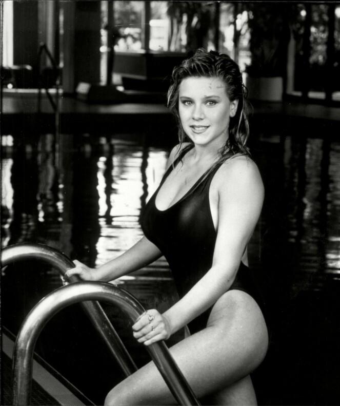 UNG GLAMOUR: Samantha Fox slo gjennom som 16-åring, som «Side 3-modell» i The Sun. FOTO: NTB Scanpix