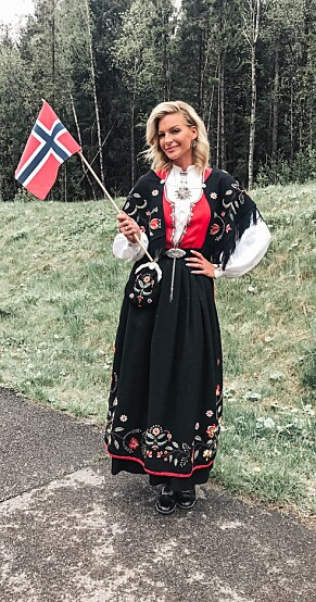 POPULÆR: Kathrine Sørland er også blant dem som har en utgave av Rogalandsbunaden. Foto: Privat