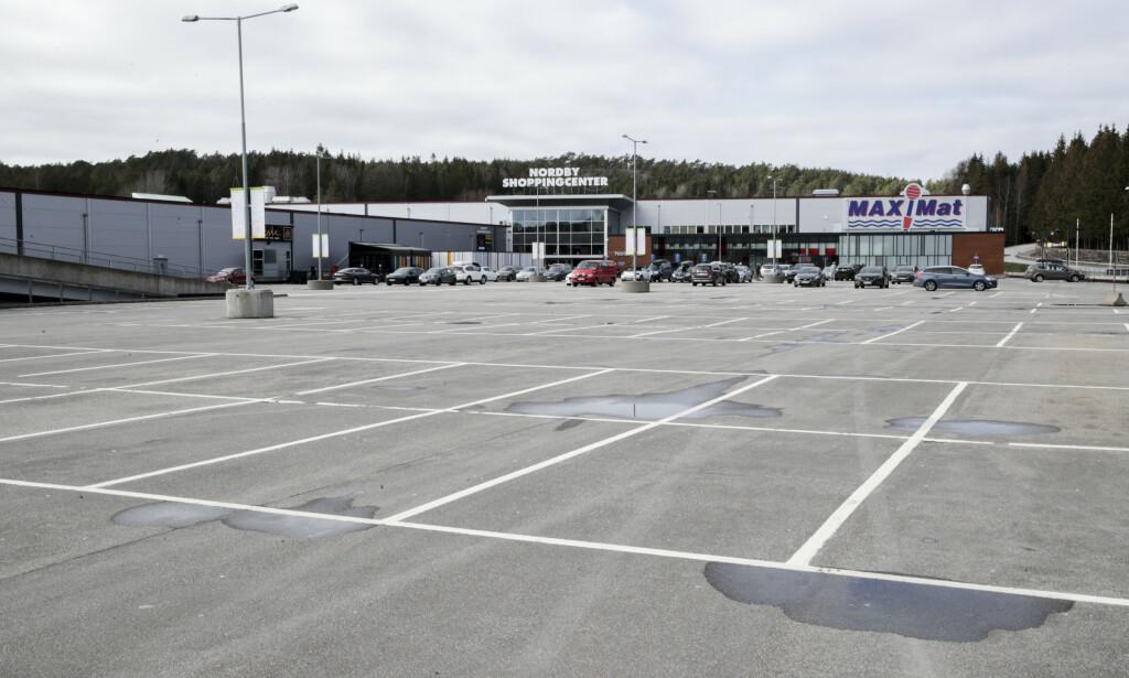 Nordby shoppingsenter har opplevd en nedgang i salg på hele 95 prosent siden Norge stengte grensa til Sverige. Foto: Vidar Ruud / NTB scanpix