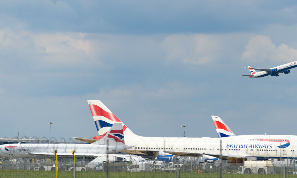 HEATHROW, LONDON, 4. MAI: For en sjelden gangs skyld tar et fly av fra Heathrow under corona-krisen. Nå leter flyplassjefen etter muligheter for å få flytrafikken tilbake til gamle høyder. Foto: Nick Harvey / Shutterstock / NTB Scanpix