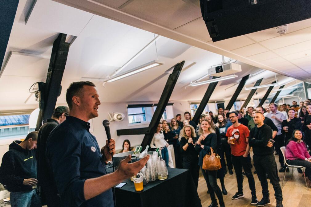 Blank-sjef Jahn Arne Johnsen håper flere vil gjøre som dem - la studenter få jobbe hos dem i sommer. 📸: Michael Angeles / Blank
