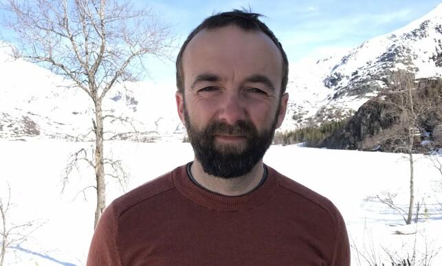 VIL HA BESØK: Kommuneoverlege Jan Håkon Juul håper mange nordmenn legger ferien til Lofoten, da sysselsettingen i regionen i stor grad er basert på turisme. - Men jeg håper de kan ha en atferd som bidrar til at vi ikke får smitte, sier Juul om de tilreisende. Foto: Privat