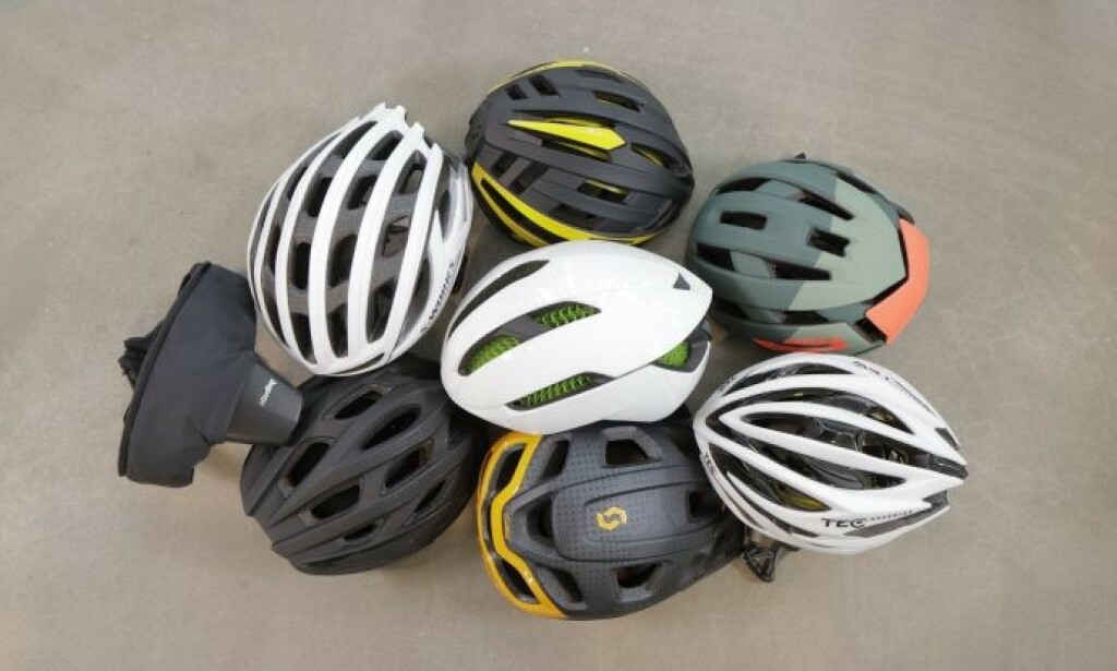 TEST AV SYKKELHJELMER: En svensk test av 27 sykkelhjelmer avslører store forskjeller når det kommer til sikkerhet, selv om alle består europeiske godkjenningskrav. Billig-hjelm fra Biltema er den beste blant de konvensjonelle sykkelhjelmene i testen. Foto: Folksam