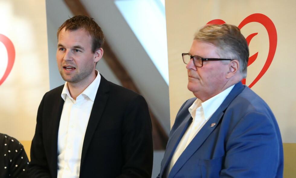 GIR IKKE OPP: KrF-leder Kjell Ingolf Ropstad og parlamentarisk leder Hans Fredrik Grøvan (KrF) ønsker full sal når endringer i bioteknologiloven behandles. Foto: Ryan Kelly / NTB Scanpix