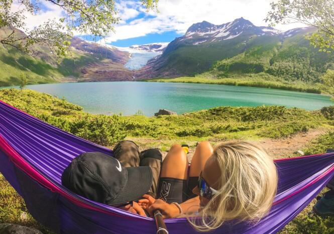 <strong>UTSIKT:</strong> Her er det store muligheter for å finne seg gode telt-/hengekøyeplasser med god usikt over det grønne vannet. FOTO: Privat