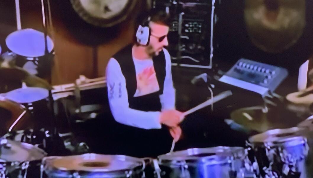 <strong>GLATTER UT:</strong> Legg merke til de skarpe linjene i vesten til Ringo Starr, mens andre detaljer - for eksempel på hånden hans, er vasket bort.