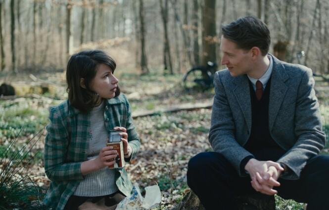 MOTSTANDSKVINNE: I filmen spiller norske Kathrine den danske motstandskvinnen Liva. Her med skuespiller Mads Reuther, som har rollen som overklassegutten Aksel Skov. FOTO: Norsk Filmdistribusjon