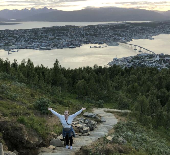 <strong>MEKTIG NATUROPPLEVELSE:</strong> Sherpatrappa opp til Fjellheisen i Tromsø har over 1000 trappetrinn, og en formidabel utsikt underveis. FOTO: Privat