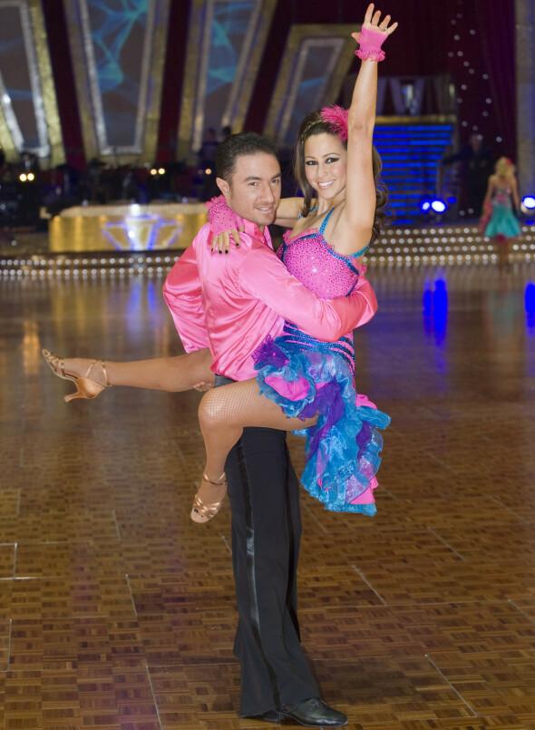 PÅ PARKETTEN: Rachel Stevens og Vincent Simone avbildet under «Strictly Come Dancing Tour» i Manchester i 2009. Foto: Mark Campbell/ REX/ NTB scanpix