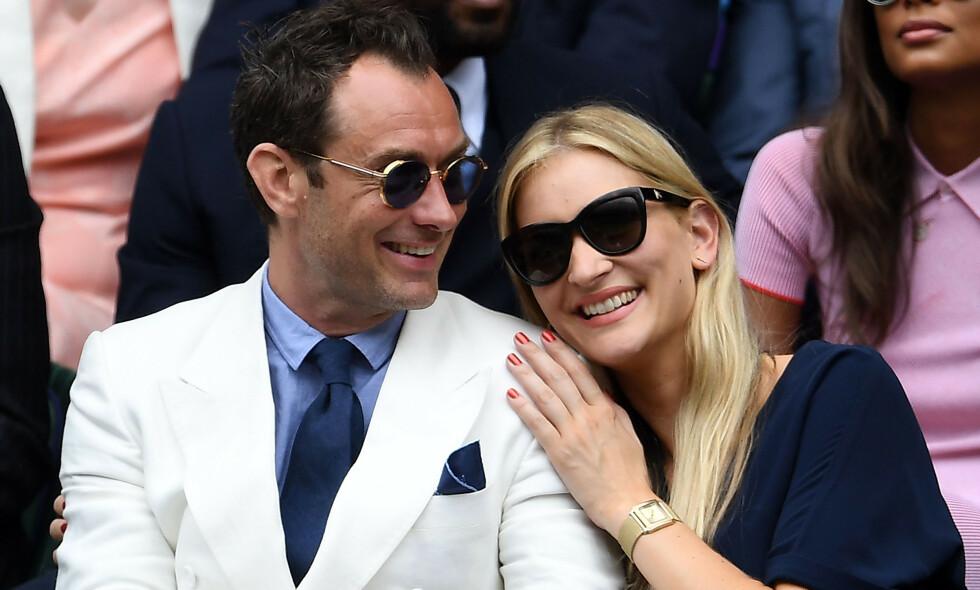 BABYLYKKE: Stjerneparet Jude Law og Phillipa Coan skal angivelig vente sitt første barn sammen - et år etter bryllupet. Foto: NTB Scanpix