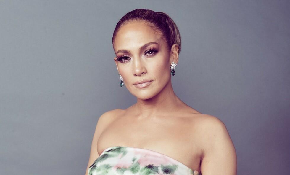 OVERRASKER: Jennifer Lopez' nye bildet på Instagram skremmer vettet av fansen. Nå hevder en kilde å ha svaret på hvorfor. Foto: NTB Scanpix