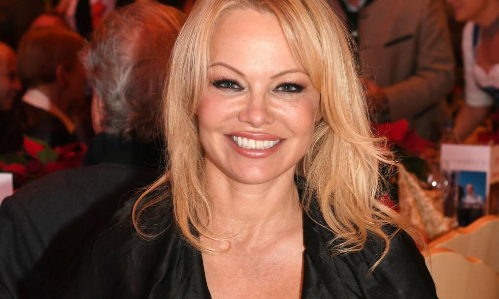 <strong>STJERNE:</strong> Pamela Anderson er kjent som Playboy-modell og «Baywatch»-stjerne, men nyskapningen av serien har hun lite til overs for. Foto: NTB scanpix
