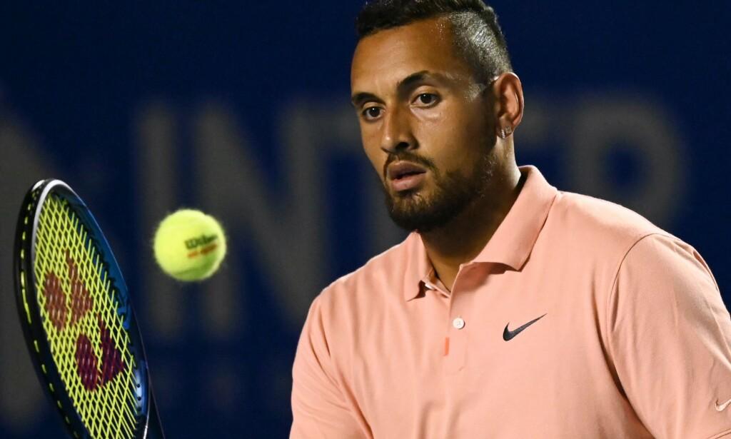 ØYE FOR TENNISBALL - OG KVINNER: Nick Kyrgios innrømmer at han har latt seg distrahere av kvinner på tribunen. Foto: NTB Scanpix