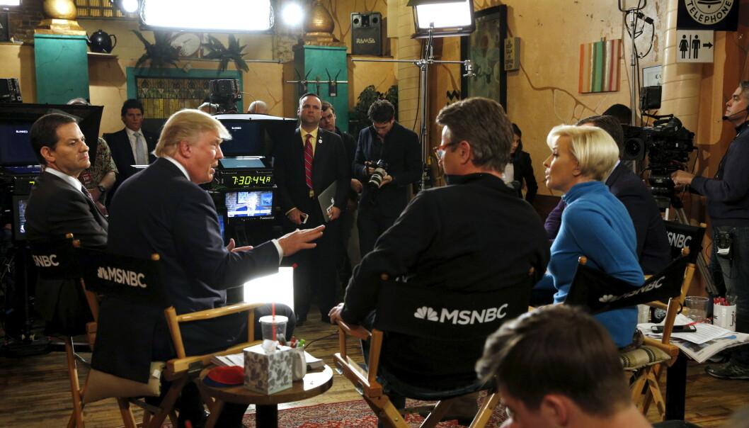 MORNING JOE: Donald Trump, da presidentkandidat for republikanerne, under en sending av programmet Morning Joe, med Joe Scarborough og kona Mika Brzezinski i 2016. Foto: Reuters/ Scott Morgan