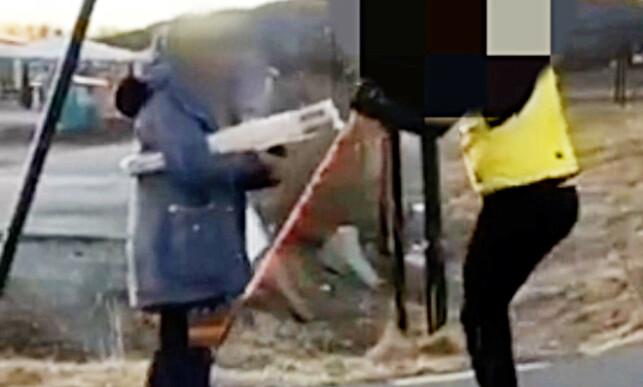 FANGET PÅ FILM: Hendelsen hvor lektoren ble dyttet av rulleskiløperen ble fanget på video. Foto: Privat