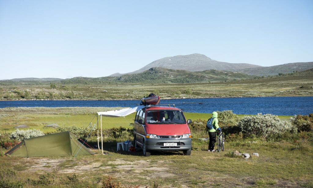 TELTFERIE: Mange nordmenn planlegger teltferie eller ferie på hytta i sommer. Foto: Gorm Kallestad / NTB scanpix