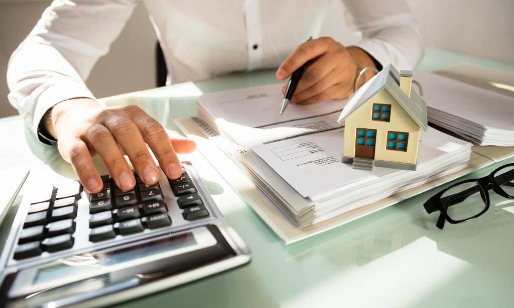 KUTT ELLER ØKNING? Den økonomiske virkningen av vedtatt endring i eiendomsskatten for enkeltkommuner avhenger av hvordan kommunene tilpasser seg regelverket. Foto: NTB Scanpix