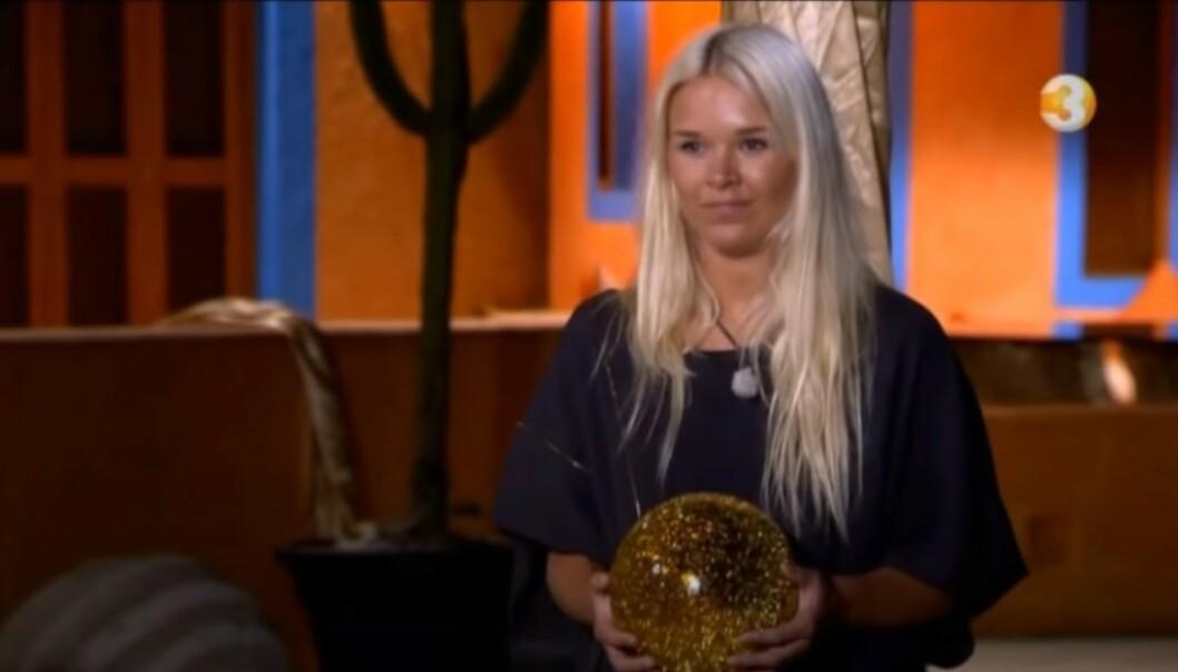 I BAKKEN: Da Vida Lill Gausemel Berge kastet kula i bakken, var det til stor frustrasjon hos partneren hennes. Foto: TV3