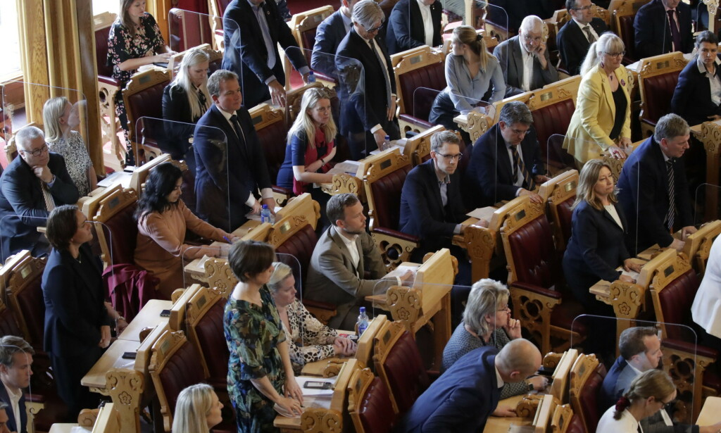 STORTINGET: Stortinget har stemt ned SV, Frp og Sp forslag om gjennomføring av Nord-Norgebanen. Foto: Bjørn Langsem / Dagbladet