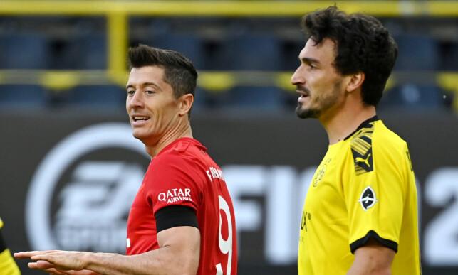 KRITISK: Mats Hummels (t.h.) holder et øye med Robert Lewandowski. Han var kritisk til lagets prestasjoner i angrep. Foto: NTB scanpix