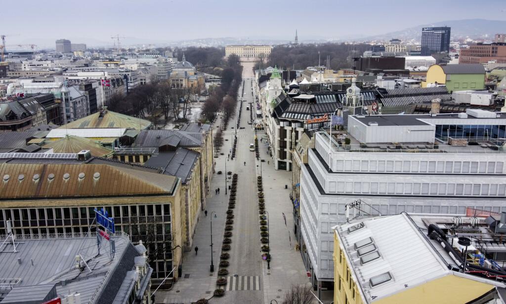 PÅ VEI TILBAKE: Nordea tror norsk økonomi får en bratt nedtur før en like stor opptur. Bildet viser et nært folketomt Oslo sentrum i slutten av mars. Foto: Lars Eivind Bones / Dagbladet