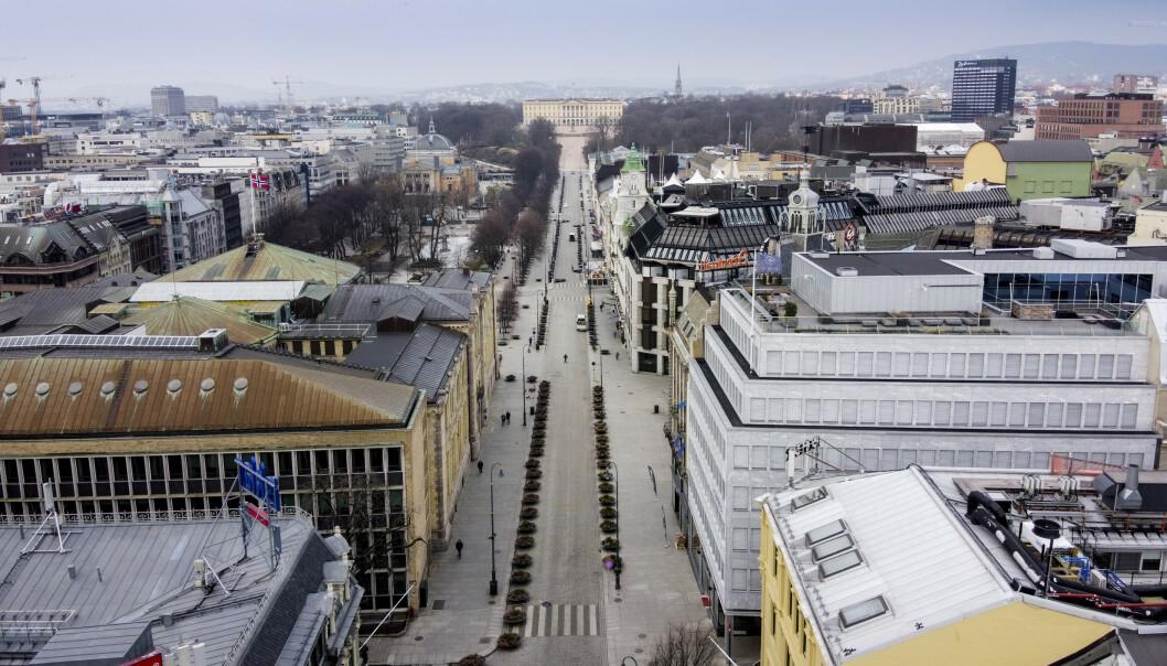 <strong>PÅ VEI TILBAKE:</strong> Nordea tror norsk økonomi får en bratt nedtur før en like stor opptur. Bildet viser et nært folketomt Oslo sentrum i slutten av mars. Foto: Lars Eivind Bones / Dagbladet